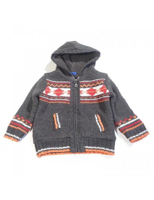 Sweterek z kapturem